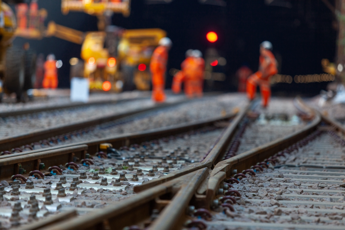 Companies partner to provide pioneering solutions to rail industry